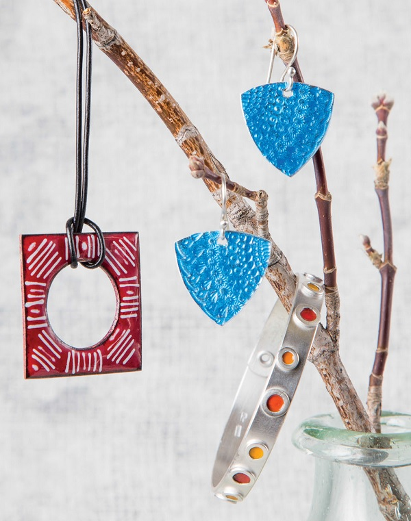 make jewelry using specialty enameling techniques