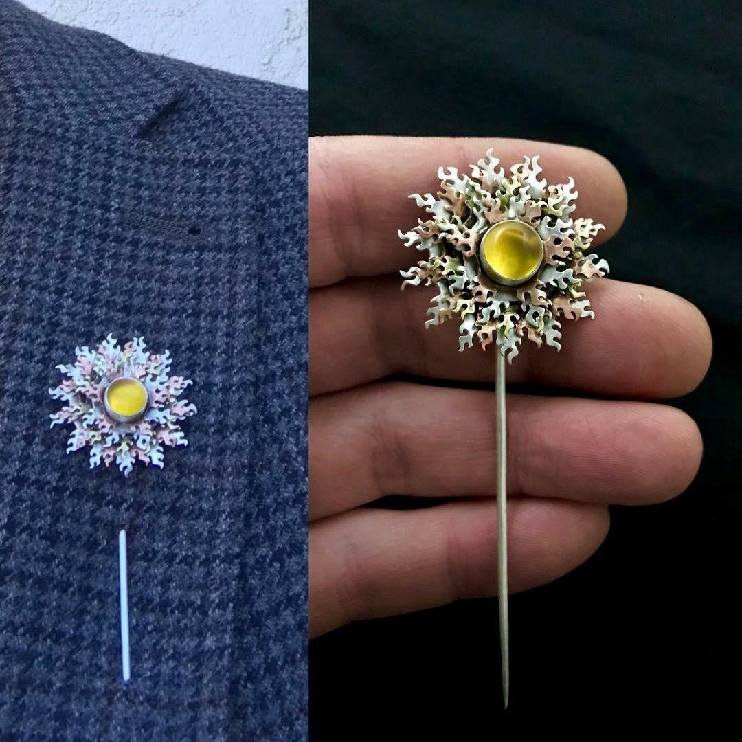Jeff Klein decorative bezel wire pin brooch