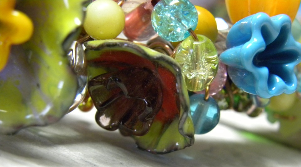 Make Lampwork-Like Glass Head Pins Using Enamel and a Torch