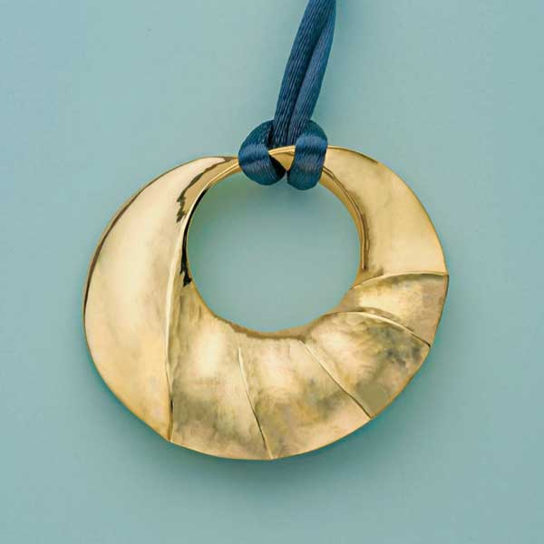 Replicate bill Fretz's pendant as an ornament.