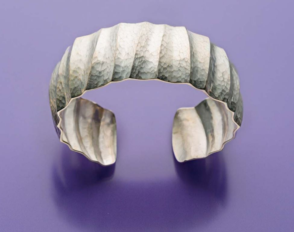 In Fluting a Pure Silver Cuff, Bill gave this bracelet a different look but still contemporary feel by varying the size and pattern of flutes. Originally published in Lapidary Journal Jewelry Artist November 2016. Photo: Jim Lawson