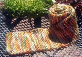 Learn how to knit with this easy knitting pattern including a garter stitch scarf pattern.