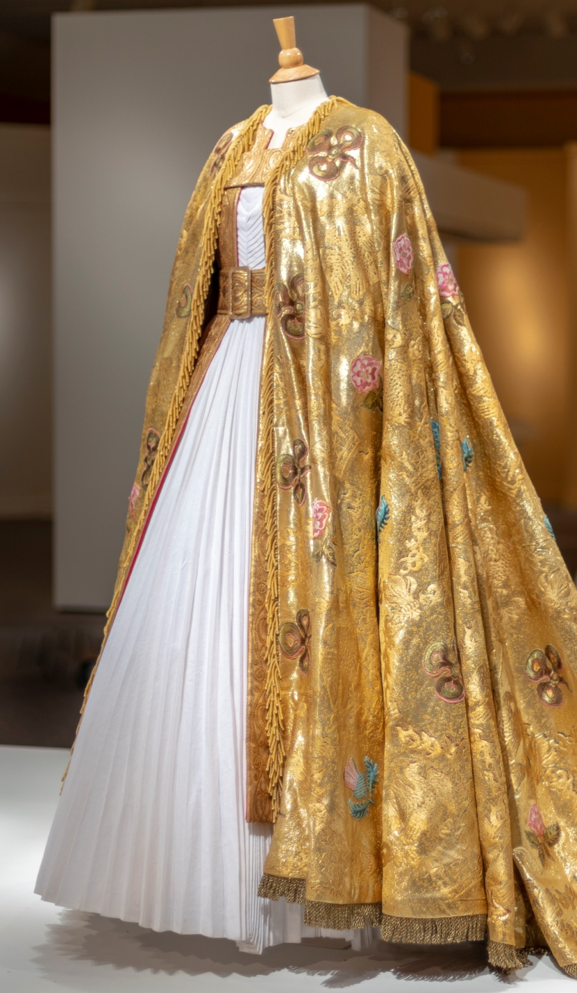 gold coronation robe Winterthur