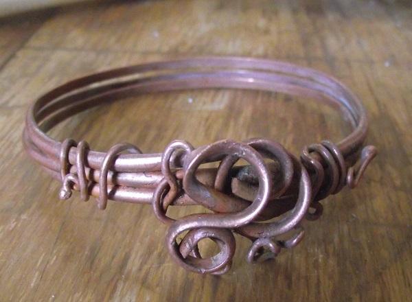 make heavy-gauge wire cuffs and bangle bracelets