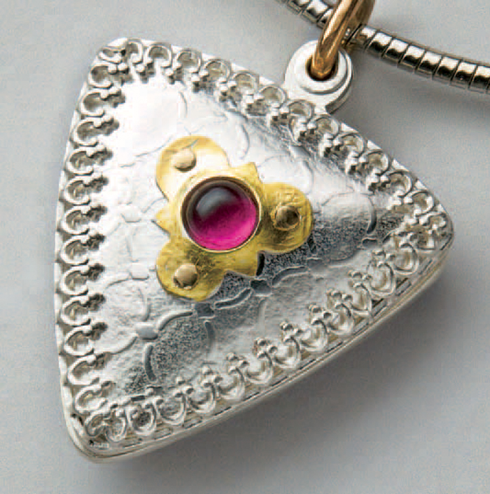 Learn how to make a locket in this cold connection jewelry eBook.