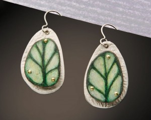 Learn how to make earrings with metal clay and celebrate spring jewelry in our FREE eBook.
