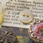 How to Make Resin Jewelry in 5 Steps