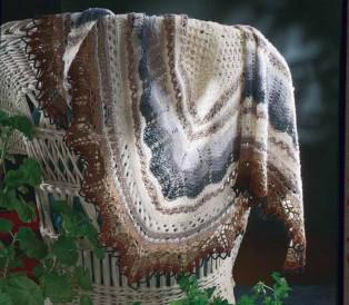 You'll love knitting this Icelandic Shawl free lace knitting pattern.