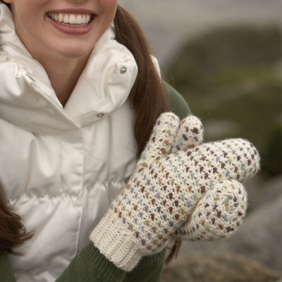 Crochet Mittens: 4 Free Patterns for Crochet Fingerless Gloves, Felted Mittens & Other Mitten Patterns