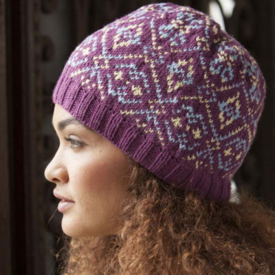 Idea for knitting gifts: Learn how to knit a hat in this FREE knitted gifts Ebook.
