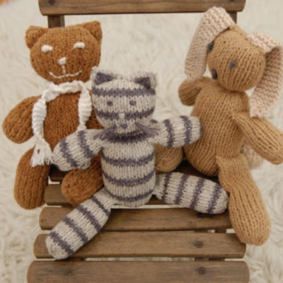 Free knitted toy patterns.