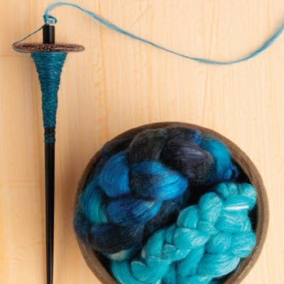 How to use a drop spindle.