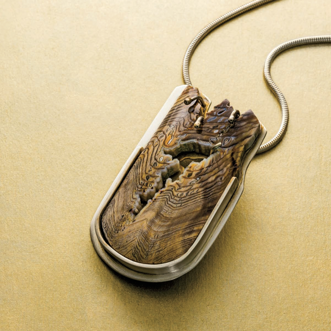 Kathy James's Petrified Sequoia Pendant project, Lapidary Journal Jewelry Artist, April 2013; photo: Jim Lawson