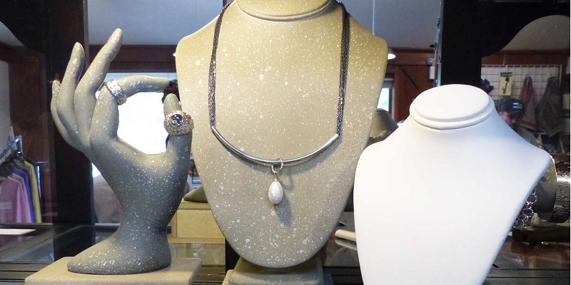 Jewelry Business: Give Your Jewelry Dummies A Facelift