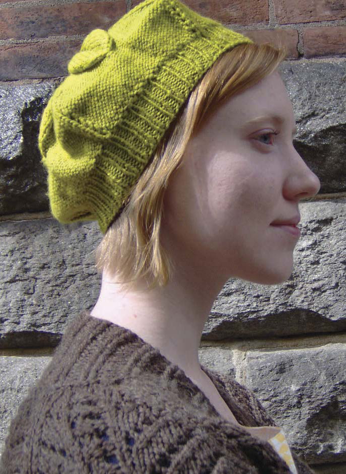 Learn how to knit a beret in this free eBook on knitted accessories.