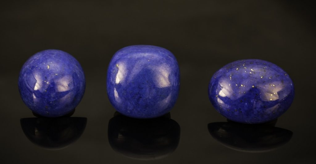 Color Psychology of Gemstones: Sapphire, Lapis Lazuli, and Other Blue Gems