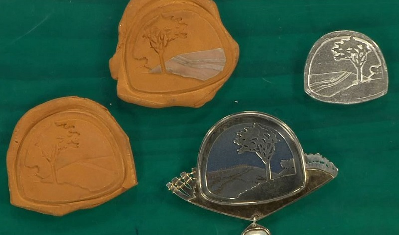 Make Custom Molds and Stamps for Metal Clay Jewelry, Polymer Clay, Resin & More with Noël Yovovich