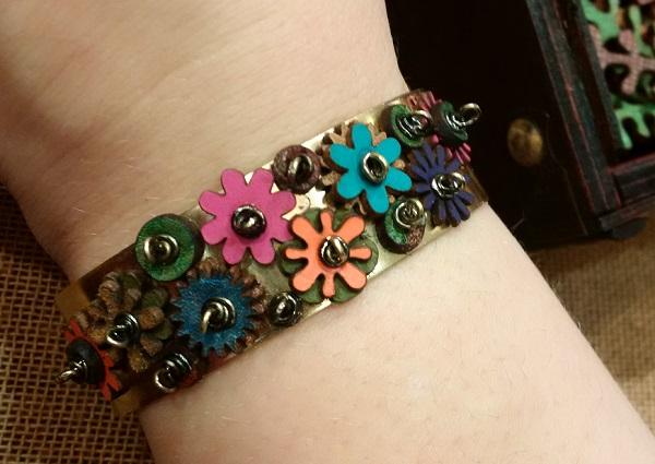 leather-flower-cuff-bracelet