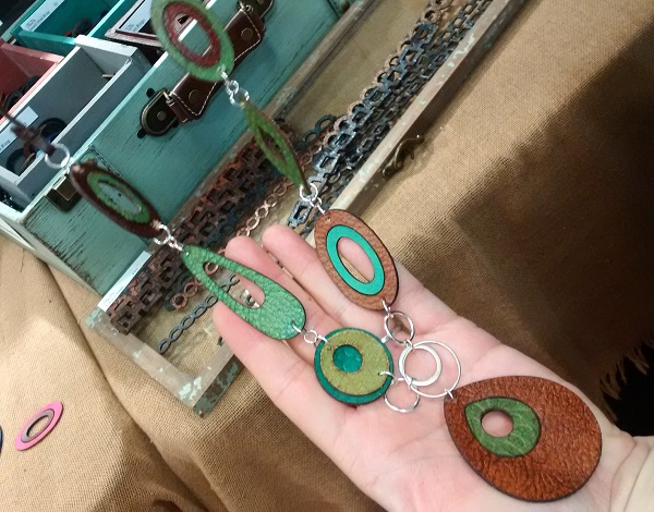 I loved how the designers at LillyPilly Designs used their leather ovals and teardrops as big but lightweight links to make a bold necklace.