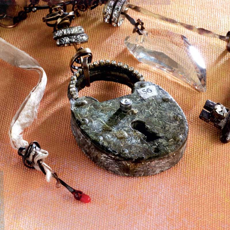 resin jewelry techniques, casting: Locket by Susan Lenart Kazmer