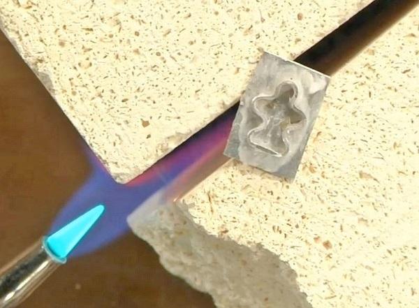 metalsmithing-soldering-head-control