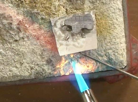 metalsmithing-soldering-make-a-box-clasp