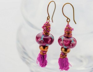 If you like fabric, beaded jewelry, then you'll LOVE these mixed-media earrings that use fabric and beads to create stunning earrings.