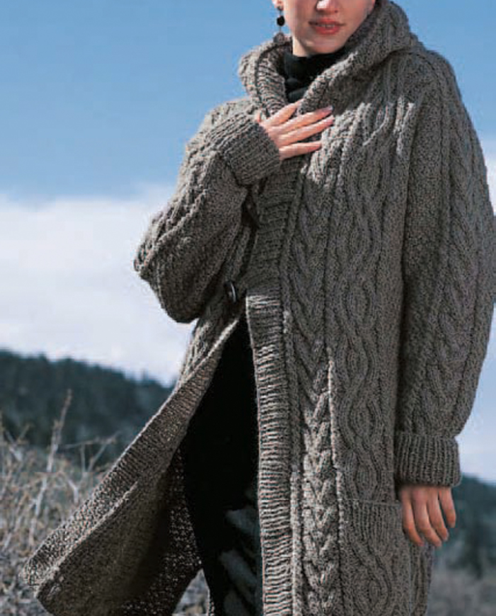 97b8307c323b2 Learn how to knit this oversized cable knitted cardigan in this free ebook  that includes 7