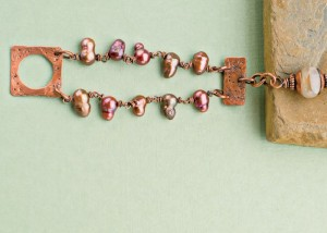 Learn how to make a pearl bracelet with copper in this FREE eBook that includes 3 DIY pearl jewelry projects.