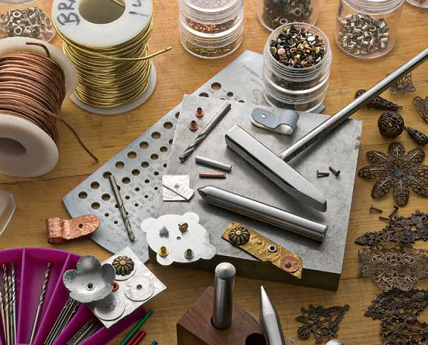 rivets and riveting tools