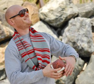 Enter to win a Scorboard KAL Kit to make a Scorboard Knit Cowl in your team's colors!