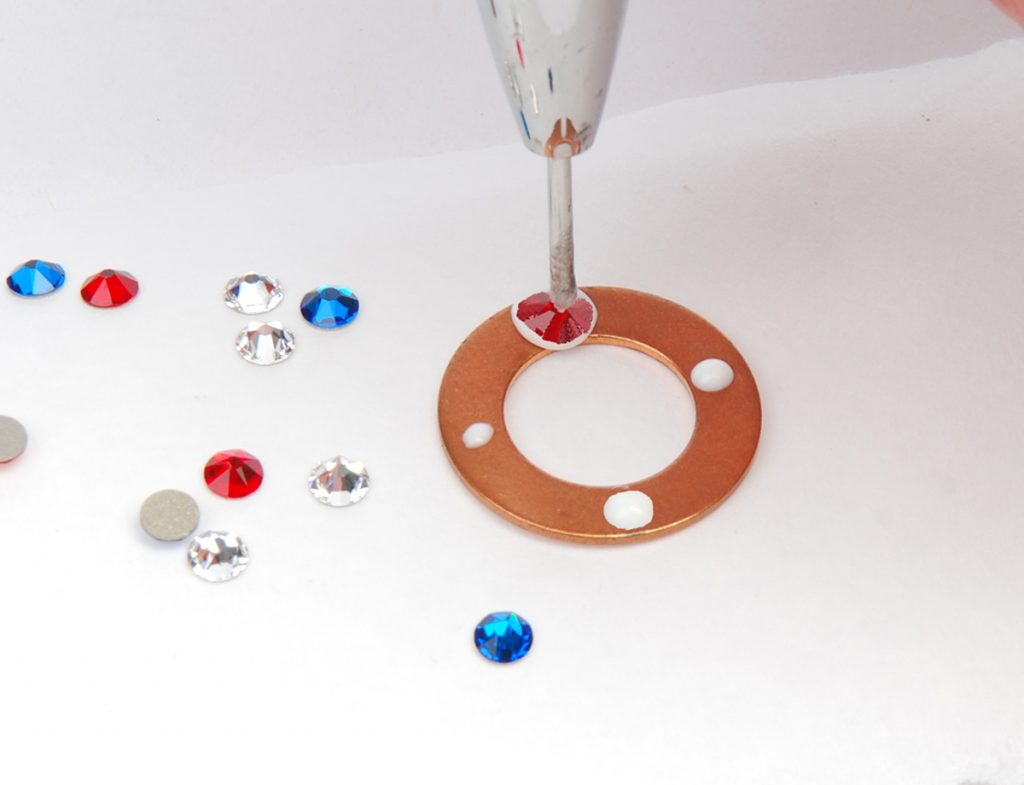 sparkle sprockets step 6d. Free jewelry–making project using Swarovski crystals