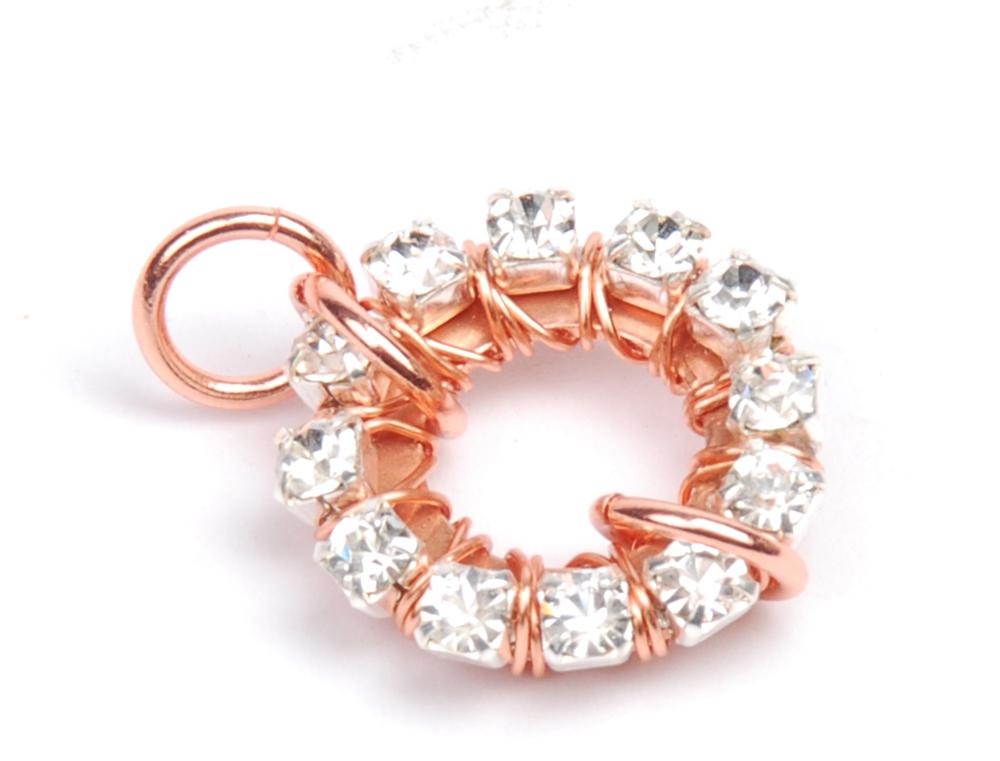 sparkle sprockets step 8. Free jewelry–making project using Swarovski crystals