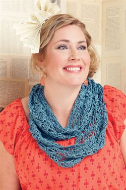 This elegant crochet cowl is perfect for dressing up.