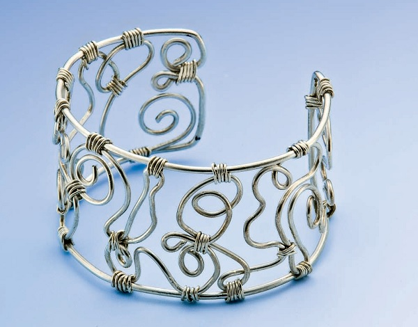 Wiggle Cuff by Stephanie Riger, Fall 2009 Step-by-Step Wire Jewelry
