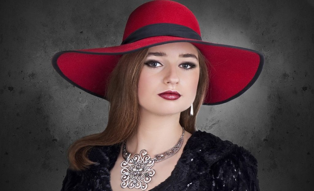 Congresswoman Bella Abzug certainly was not known for her glamorous looks or for her jewelry, but she was famous for her determination, her championing of women's rights, and for wearing memorable hats. PHOTO: haidi2002/Pixabay